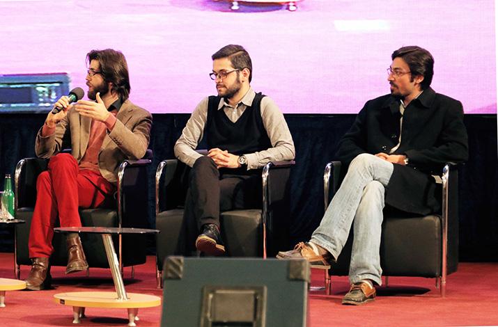 پنل درآمد زایی در نرم افزارهای موبایل در مراسم اختتامیه هشتمین جشنواره وب و موبایل ایران