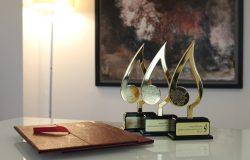 جایزه پیروز